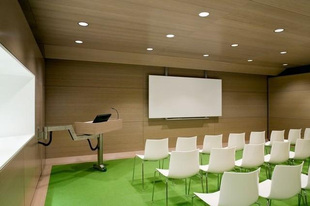 Помогаем определиться с выбором учебного салона (студии) будущим электрикам