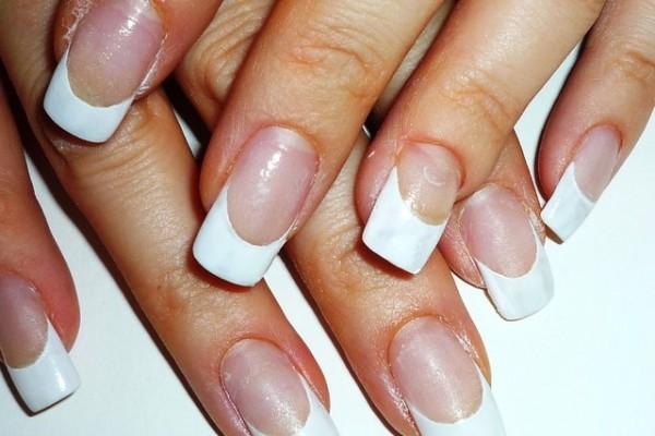 Варианты наращивания ногтей в стиле френч