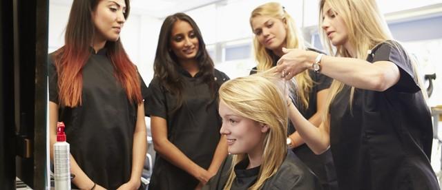 Где найти кратковременные, мини (однодневные) курсы в колледже (техникуме), академии парикмахеров.