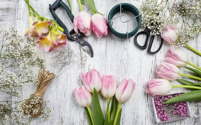 Подскажите, посоветуйте учебную студию (салон) флористов