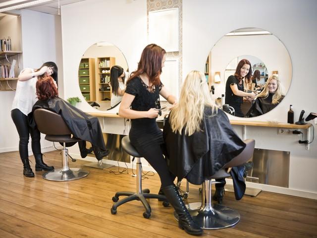 Подскажите, посоветуйте учебный центр (курсы) парикмахеров