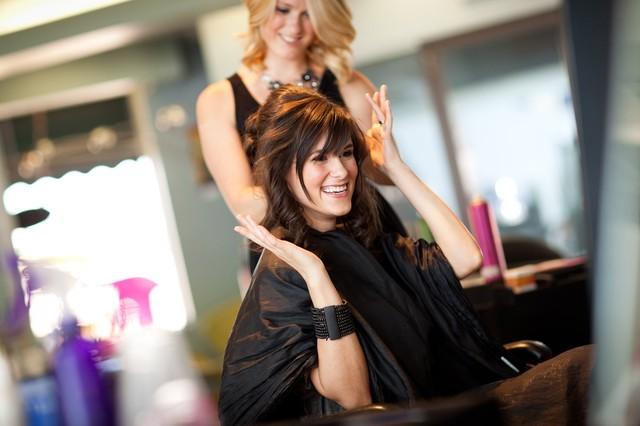 Выбираем интенсивные (быстрые) курсы в колледже (техникуме), академии парикмахеров.