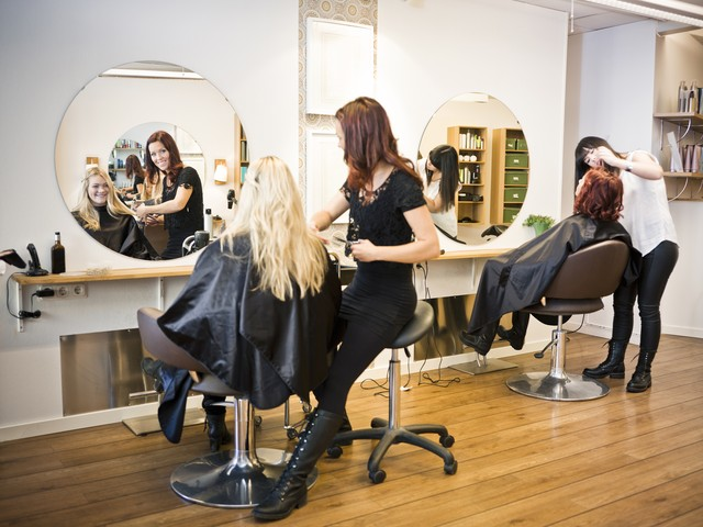 Какие сроки, сколько длятся курсы обучения парикмахеров.