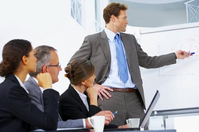 Как выбрать правильного бизнес-тренера и почему просто тренингов