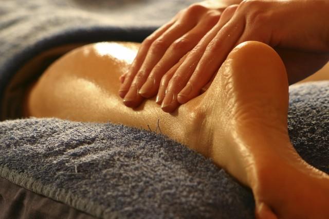 Где недорого выучиться, обучиться по профессии, специальности массаж