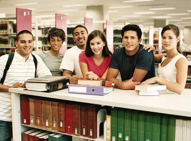 Профессия библиотекарь для детей и в школах. Подробное описание