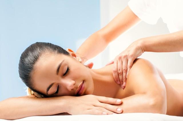 Как выбрать курсы обучения массажу для женщин.