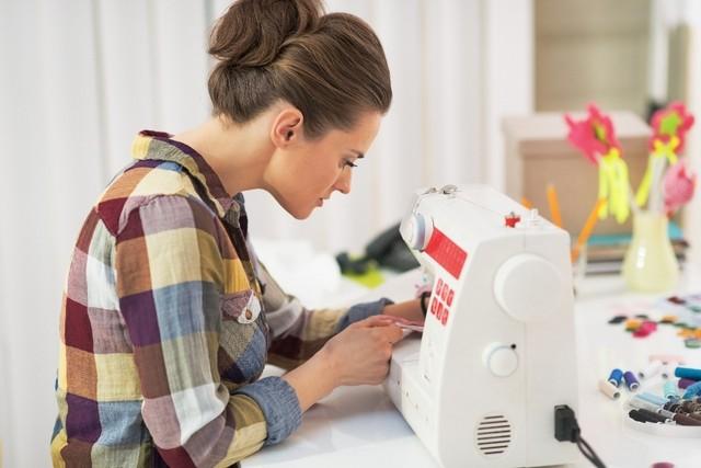 Как выбрать курсы обучения кройке и шитью без ограничений по возрасту.