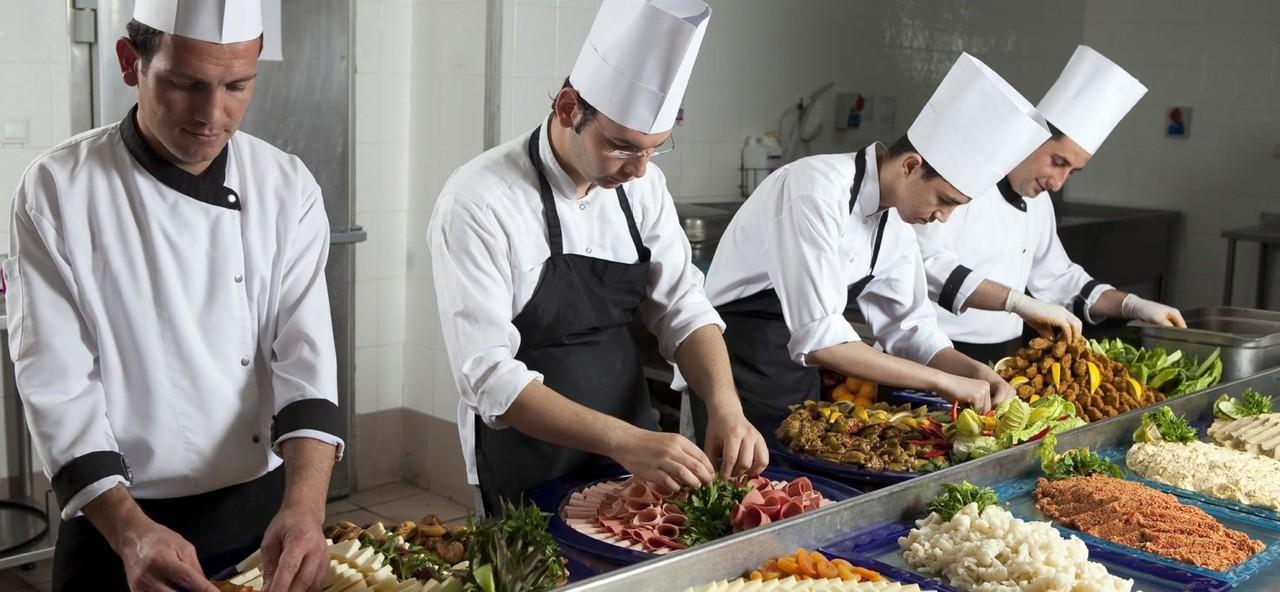 Где и что нужно для обучения в кондитерской учебной студии (кухне)