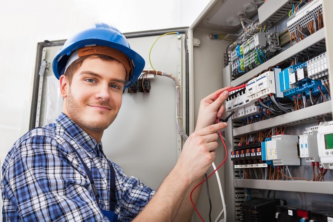 Как и где выбрать курсы обучения электриков с трудоустройством