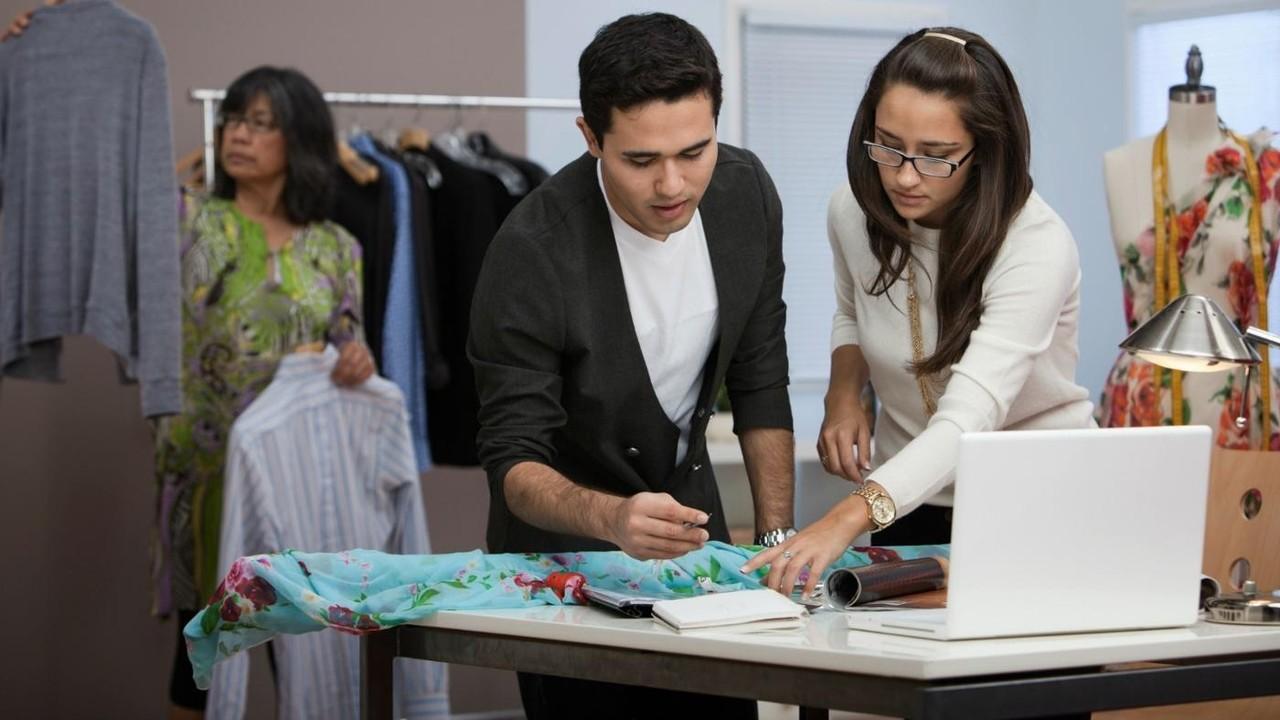 Как и где выбрать учебный центр (курсы) по дизайну одежды с трудоустройством