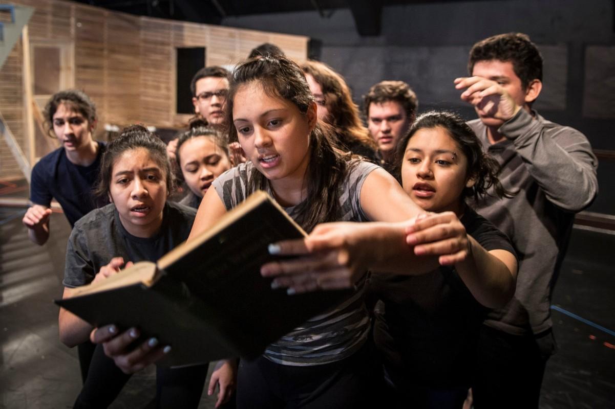 Как выбрать курсы обучения актерскому мастерству для подростков 14, 15, 16 лет