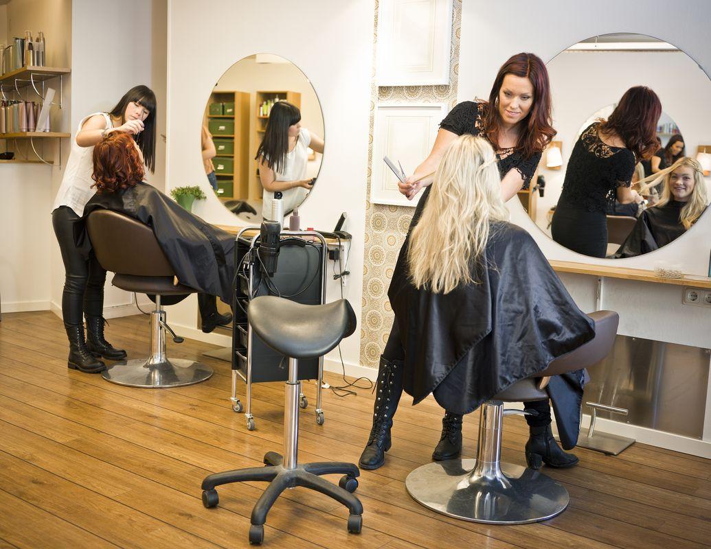 Как выбрать парикмахерские курсы обучения  для не имеющих опыта (без опыта)